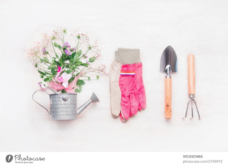 Garten Handgeräte, Gießkanne und Blumen Stil Design Freizeit & Hobby Sommer Häusliches Leben Natur Pflanze Dekoration & Verzierung Blumenstrauß Zeichen