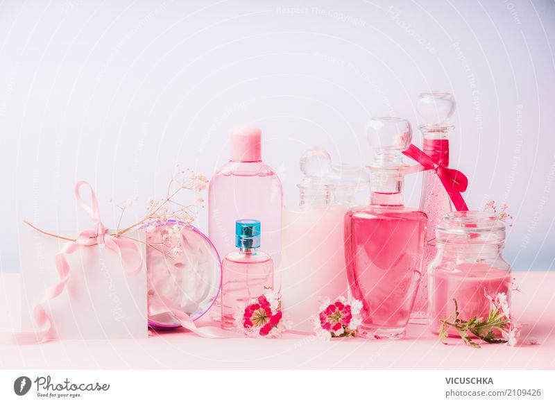 Naturkosmetikprodukte in Flaschen und Gläsern mit rosa Blüten Pflanze schön Blume Lifestyle feminin Stil Feste & Feiern Design Dekoration & Verzierung Geschenk
