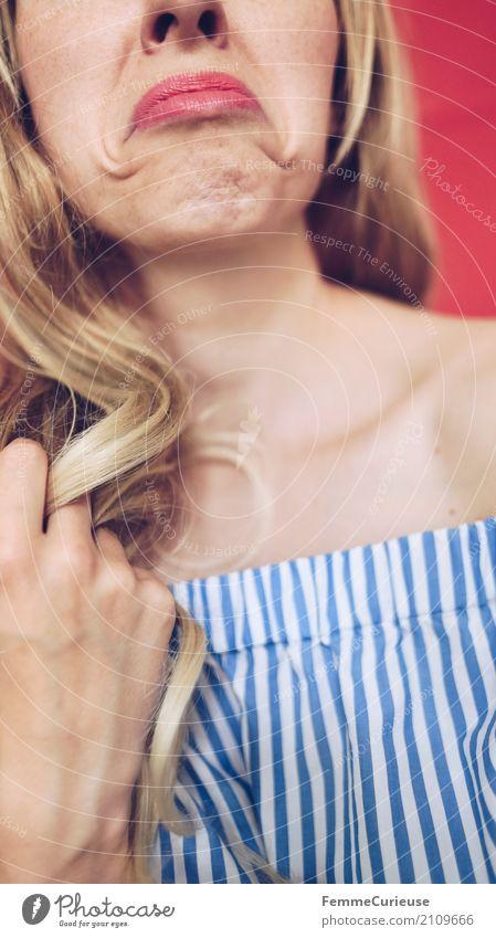 Carmenbluse (16) Mensch Frau Jugendliche Junge Frau schön rot 18-30 Jahre Erwachsene feminin Haare & Frisuren blond Mund Lippen Gesichtsausdruck gestreift