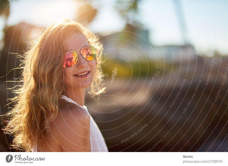 summer vibes Mensch Frau Ferien & Urlaub & Reisen Jugendliche Junge Frau Sommer schön Freude Ferne 18-30 Jahre Erwachsene Leben Lifestyle Gesundheit Stil Glück