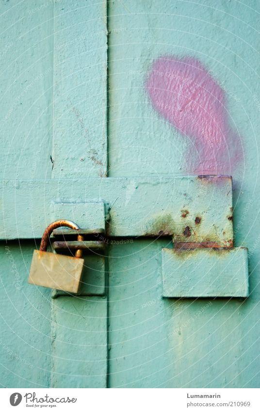 Gotcha! schön alt Farbe Freiheit hell Metall rosa Tür geschlossen frisch Sicherheit retro einfach Schutz einzigartig fest