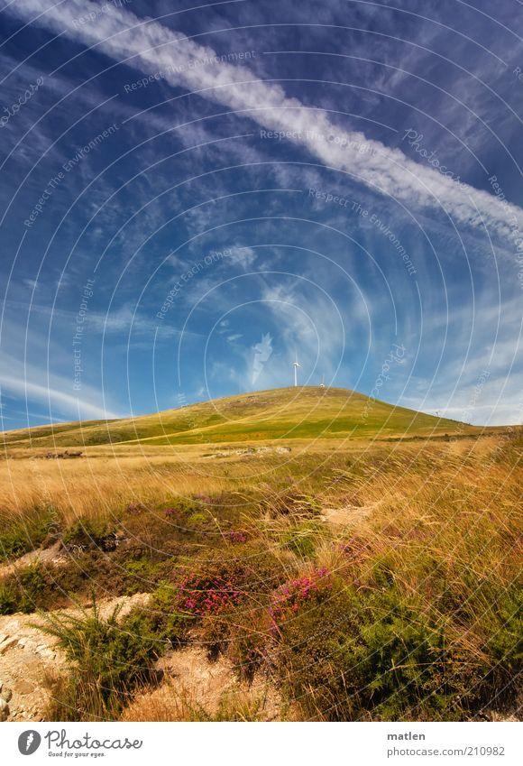 pour l'amour du ciel Windkraftanlage Landschaft Erde Himmel Sommer Schönes Wetter Gras Hügel Berge u. Gebirge blau braun grün weiß Einsamkeit Ferne