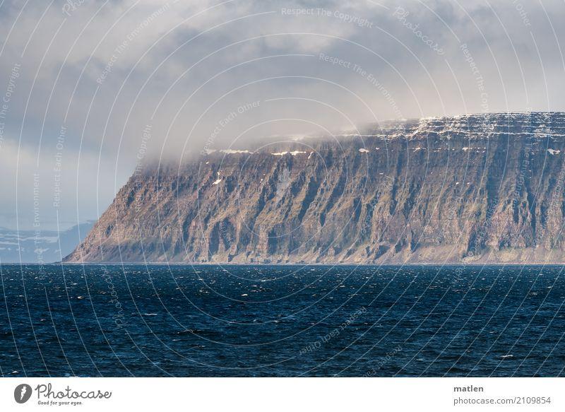 Hornstrandir Natur Landschaft Luft Wasser Himmel Wolken Horizont Frühling Schönes Wetter Felsen Berge u. Gebirge Schneebedeckte Gipfel Schlucht Küste Fjord Meer
