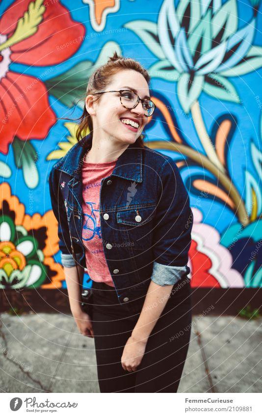 Roadtrip West Coast USA (198) feminin Junge Frau Jugendliche Erwachsene Mensch 18-30 Jahre 30-45 Jahre Lebensfreude Leichtigkeit lässig Wandmalereien