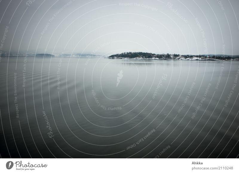 Es ist grau im Skagerakk Natur Wasser Landschaft ruhig Winter Küste Schnee Wellen trist Ewigkeit Klima Urelemente Gelassenheit Nordsee schlechtes Wetter