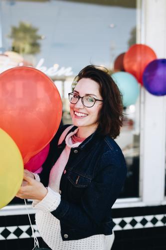Roadtrip West Coast USA (312) feminin Junge Frau Jugendliche Erwachsene Mensch 18-30 Jahre Freude Geburtstag Jubiläum Partygast Feste & Feiern Luftballon Glück
