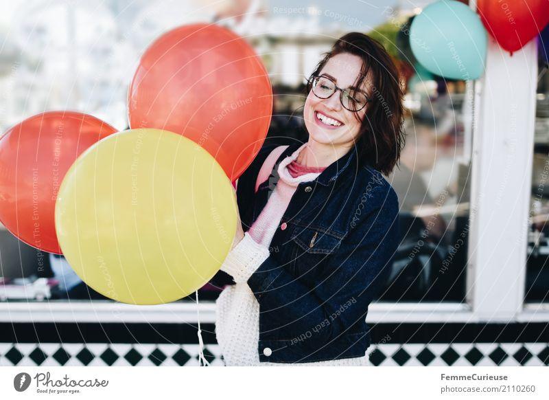 Roadtrip West Coast USA (275) Mensch Frau Jugendliche Junge Frau Freude Fenster 18-30 Jahre Erwachsene feminin lachen Party Feste & Feiern Geburtstag