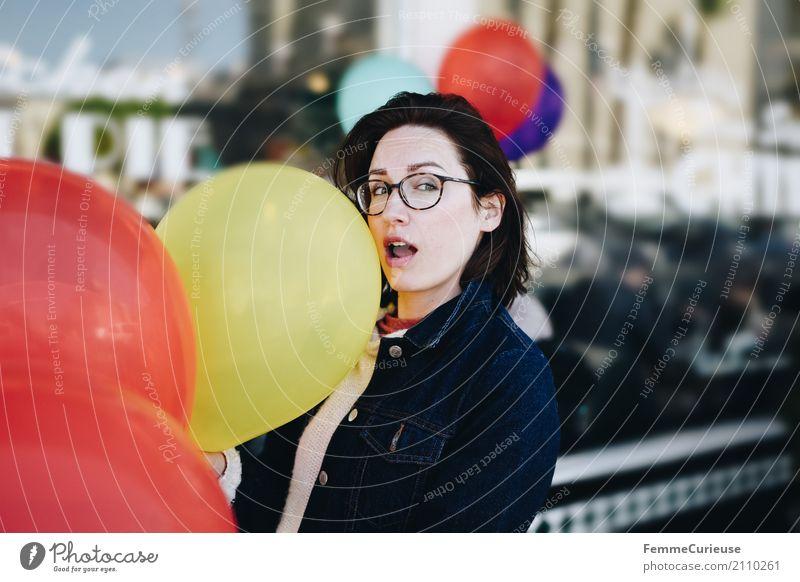 Roadtrip West Coast USA (276) feminin Junge Frau Jugendliche Erwachsene 1 Mensch 18-30 Jahre 30-45 Jahre Freude Feste & Feiern Party Geburtstag Luftballon