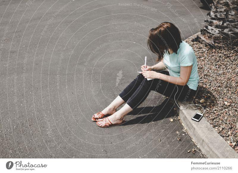 Roadtrip West Coast USA (232) feminin Junge Frau Jugendliche Erwachsene 1 Mensch 18-30 Jahre 30-45 Jahre Kommunizieren Kopfhörer Handy Telekommunikation