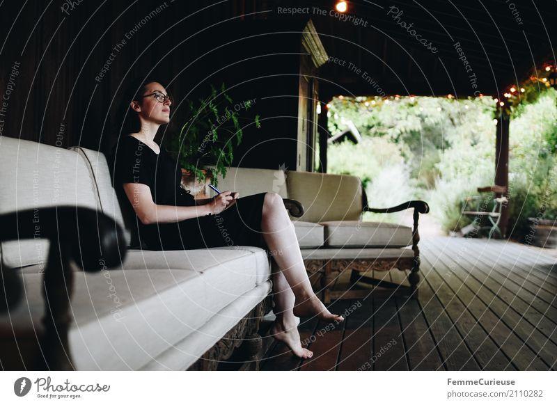 Roadtrip West Coast USA (221) feminin Junge Frau Jugendliche Erwachsene Mensch 18-30 Jahre 30-45 Jahre schön Naturliebe Garten Veranda Hotel Ferienhaus Reichtum