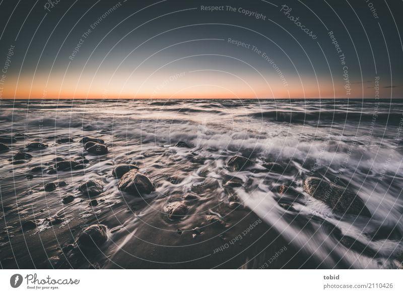 Sunset Himmel Natur Wasser Landschaft Einsamkeit Ferne Strand Bewegung Küste Stein Felsen Horizont Wellen Idylle Schönes Wetter einzigartig