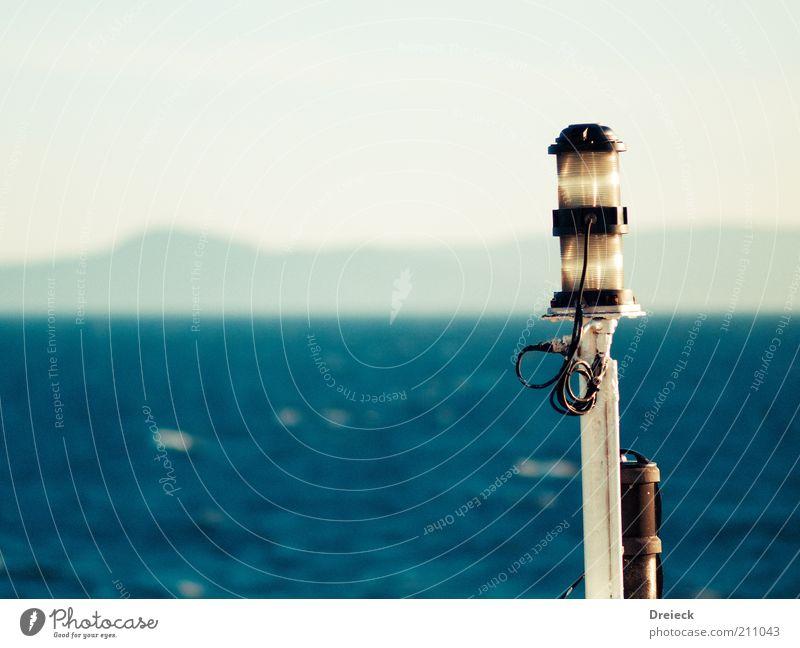 Wasserkopf blau weiß Ferien & Urlaub & Reisen Meer Sommer Umwelt Lampe Wasserfahrzeug Europa Schönes Wetter Laterne Schifffahrt Schottland Signal Bootsfahrt