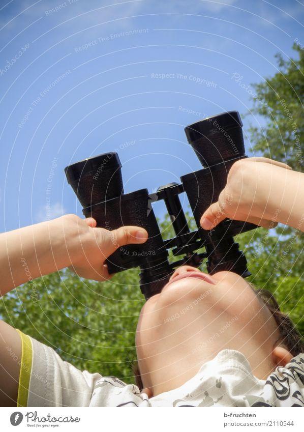Luftraumüberwachung Jagd Ausflug Abenteuer Expedition Sommer Sommerurlaub wandern Kind Gesicht 3-8 Jahre Kindheit Umwelt Natur Himmel Schönes Wetter gebrauchen