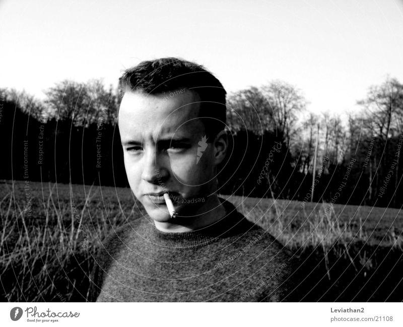 Smokin' Joe Natur Mann laufen Spaziergang Rauchen Zigarette April