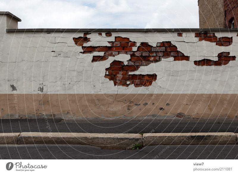 coverage alt Wand Stein Mauer Wege & Pfade Linie Perspektive ästhetisch authentisch einfach Vergänglichkeit Streifen fest Zeichen Backstein Verfall