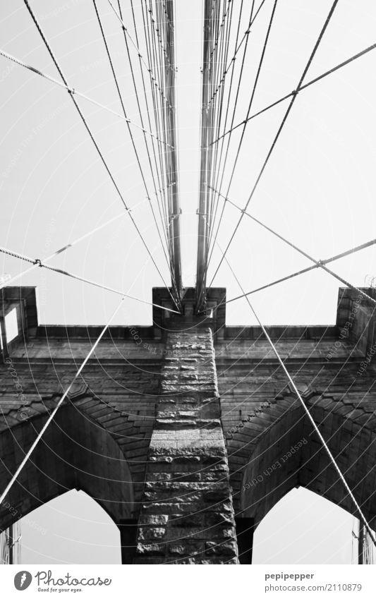Brooklyn Bridge Ferien & Urlaub & Reisen Tourismus Städtereise New York City USA Amerika Hauptstadt Brücke Mauer Wand Sehenswürdigkeit Wahrzeichen Stein schwarz