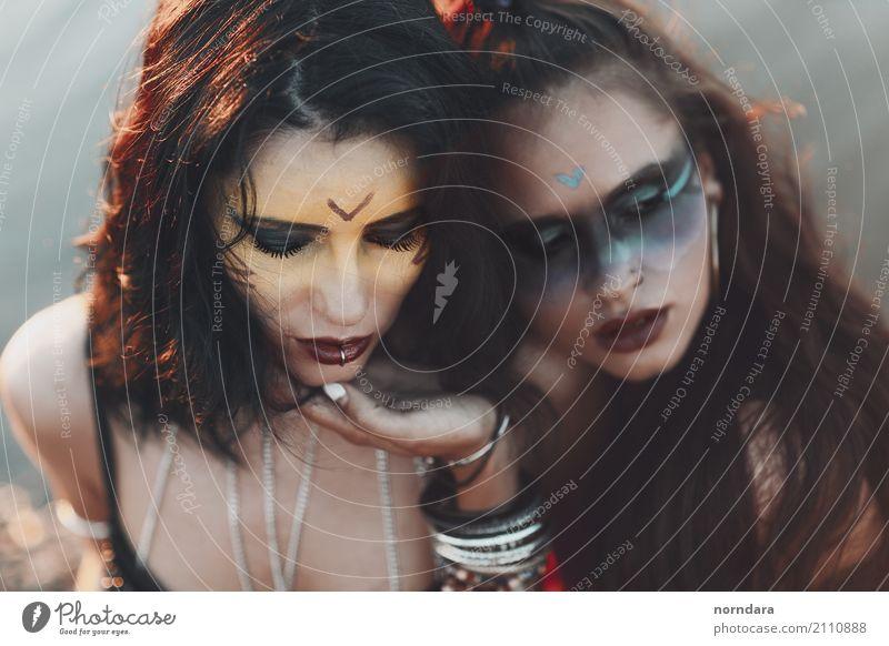 bf Reichtum Stil Design schön Haare & Frisuren Haut Kosmetik Schminke Lippenstift Rouge Party Karneval Jahrmarkt feminin Homosexualität Junge Frau Jugendliche
