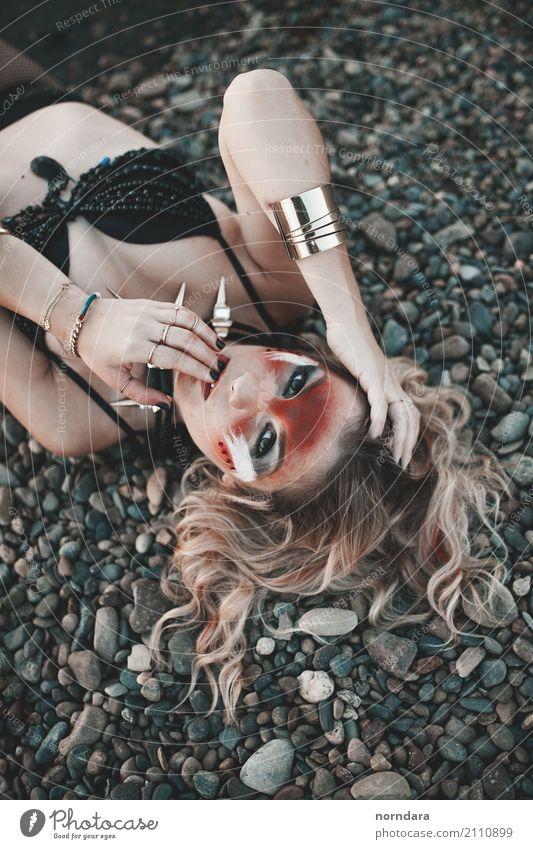 wild kaufen Reichtum Stil Design exotisch schön Haare & Frisuren Haut Gesicht Kosmetik Lippenstift Wimperntusche Rouge feminin Junge Frau Jugendliche Erwachsene
