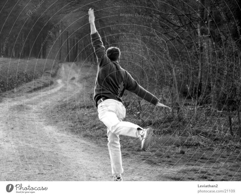 Jumpin' Joe April springen Mann Spaziergang Natur laufen