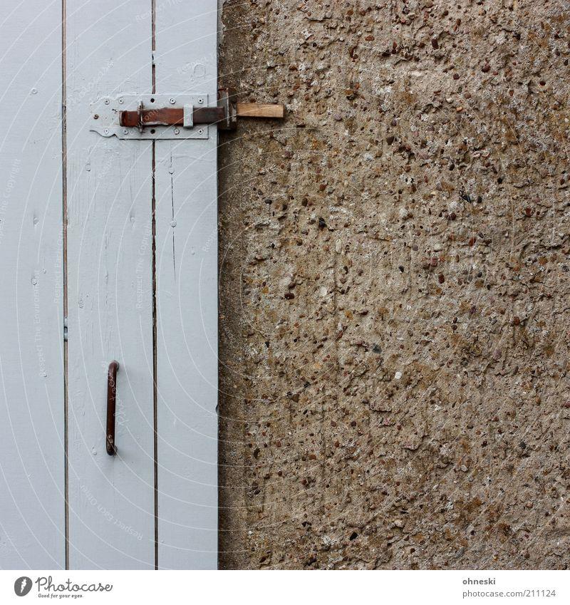 Schuppen Wand grau Mauer Gebäude Tür Fassade geschlossen Hütte Schloss Griff Scheune Riegel Holztür Putzfassade