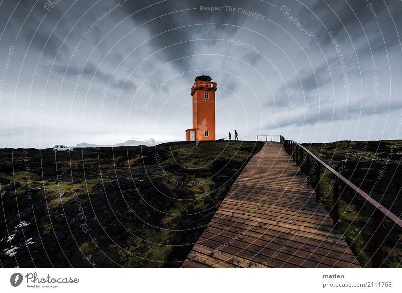 Sturm und Regen 2 Mensch Natur Landschaft Himmel Wolken Frühling schlechtes Wetter Wind Moos Felsen Küste Fjord Leuchtturm braun grau grün orange Steg Island