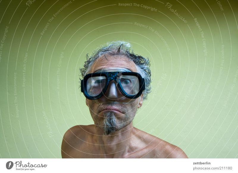Taucher Freizeit & Hobby Wassersport tauchen Mann Erwachsene Gesicht Bart 45-60 Jahre Brille lustig nass skurril August erstaunt grotesk Kinnbart Taucherbrille