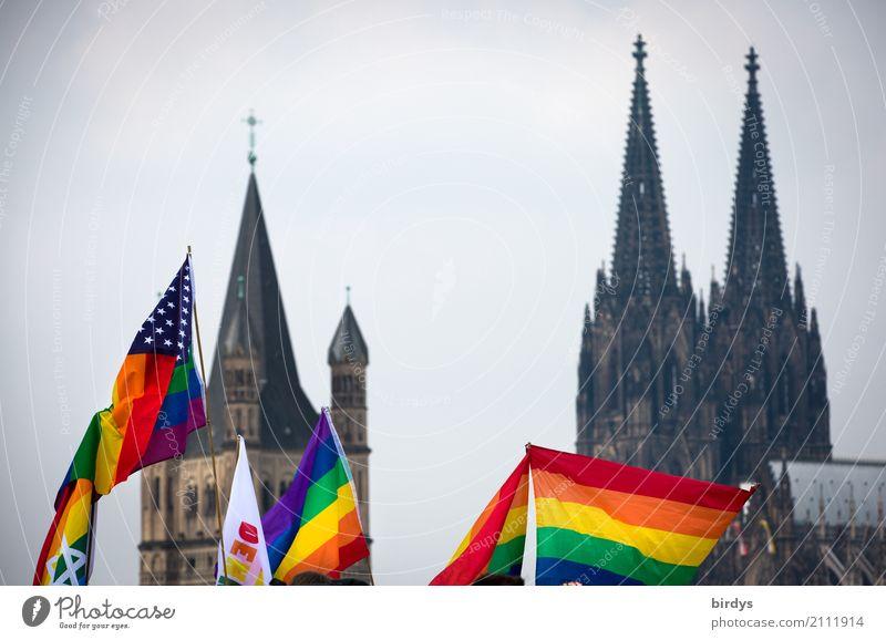 CSD in Köln Freude Liebe Feste & Feiern Stimmung frei Fröhlichkeit Sex Lebensfreude Sehenswürdigkeit Zusammenhalt Wahrzeichen Fahne Stadtzentrum Veranstaltung