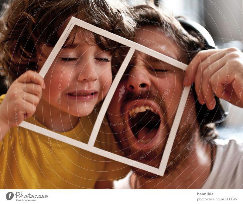 der richtige rahmen Mensch Kind Mann weiß Freude gelb Junge Mund lustig Erwachsene maskulin Energie verrückt schreien Vater Kindheit