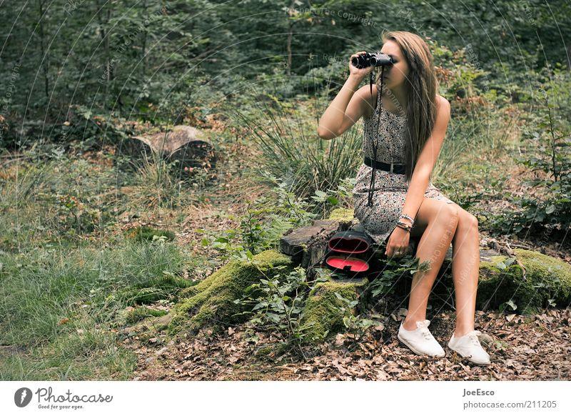 jugend forscht... Frau Mensch Natur schön Baum Pflanze Erwachsene Wald Erholung Leben Freizeit & Hobby blond Ausflug wandern Suche Sträucher
