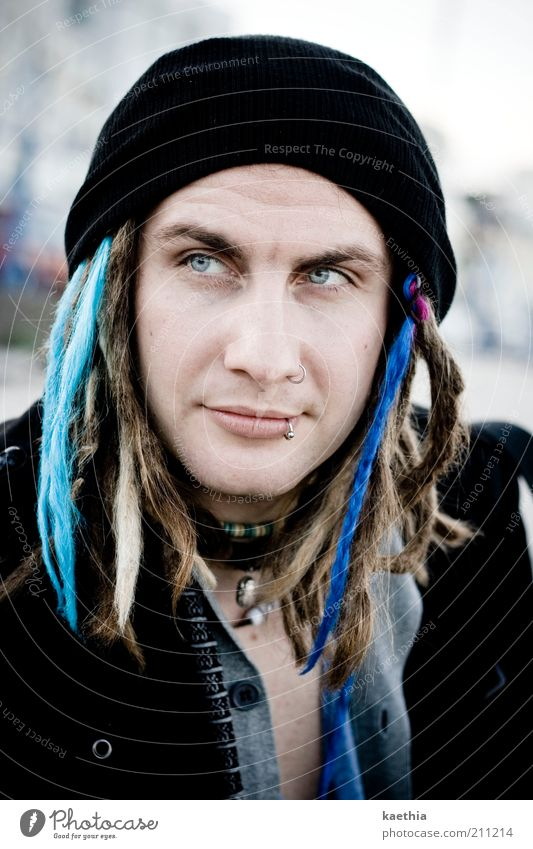 ... Mensch Mann schön blau Gesicht ruhig Stil Haare & Frisuren blond Erwachsene maskulin Design ästhetisch Jacke Schmuck Freundlichkeit