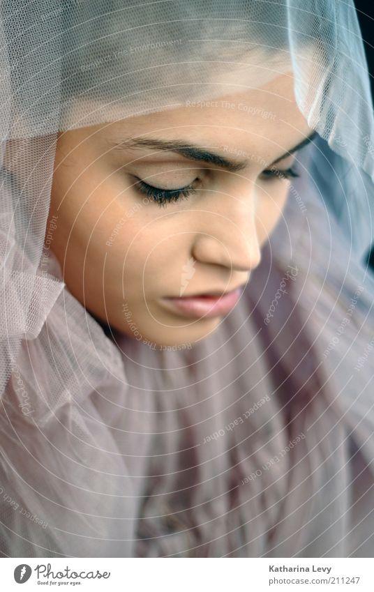 Tochter der Nacht schön Haut harmonisch feminin Frau Erwachsene Kopf Gesicht 1 Mensch 18-30 Jahre Jugendliche Mode Schleier schwarzhaarig brünett ästhetisch