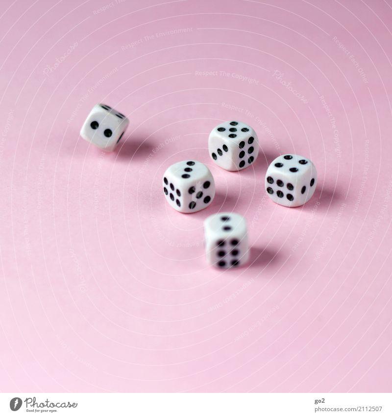 Große Straße? Freizeit & Hobby Spielen Glücksspiel Gesellschaftsspiele Würfel Zeichen Ziffern & Zahlen rosa schwarz weiß Spielsucht Erfolg Freude Konkurrenz