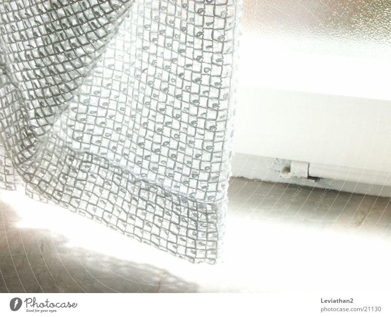 Gardinenimpressionen II weiß Luft hell Wind Netz Loch Überbelichtung Brise Fototechnik gleißend