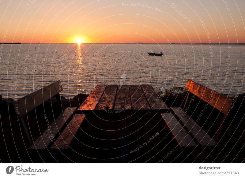 Ruhepause Sonne Meer Sommer Ferien & Urlaub & Reisen ruhig Ferne Erholung Freiheit träumen Küste Horizont Tisch Tourismus Pause Bank