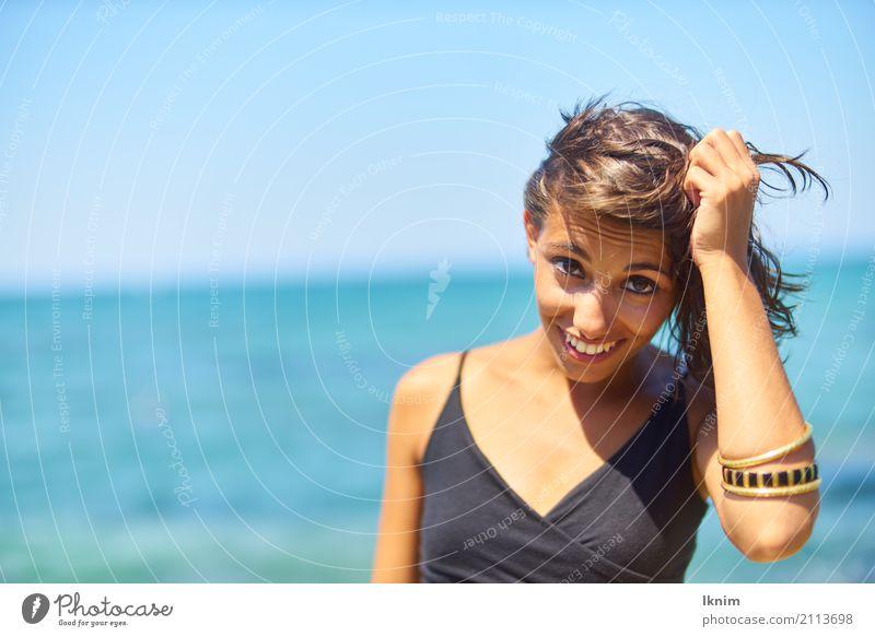 summer woman Mensch Frau Ferien & Urlaub & Reisen Jugendliche Junge Frau Sommer schön Sonne Meer Freude Strand 18-30 Jahre Erwachsene Leben Lifestyle Gesundheit