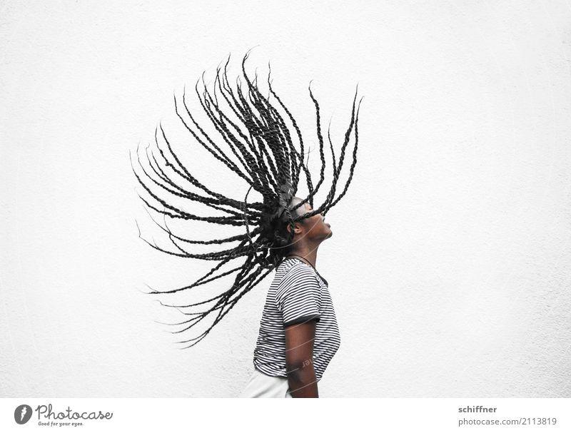 Flying hAirlines | Iro Mensch Frau Jugendliche Junge Frau Freude 18-30 Jahre Erwachsene Bewegung feminin außergewöhnlich Haare & Frisuren schwarzhaarig