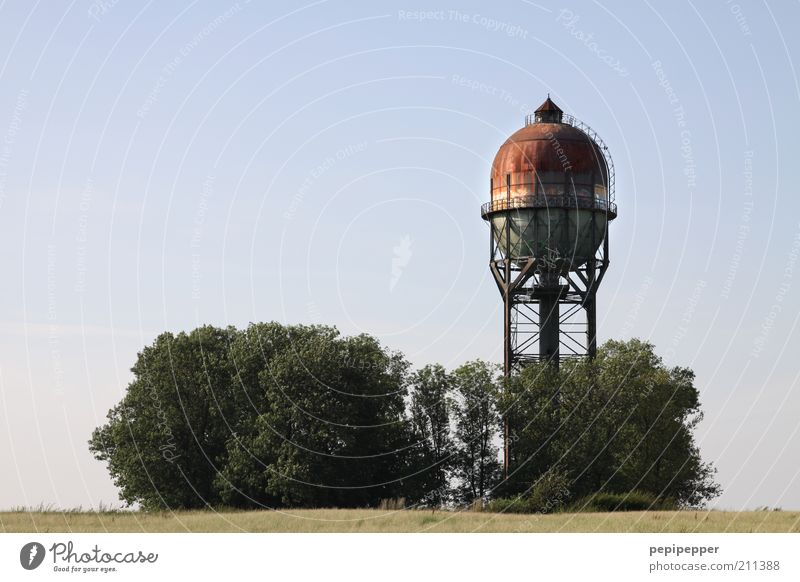 Lanstroper Ei Industrie Landschaft Sommer Turm Sehenswürdigkeit Metall Stahl Rost alt braun Wasserturm Zisterne Farbfoto mehrfarbig Außenaufnahme Tag Licht
