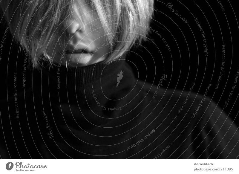 schwarzes portrait Lifestyle elegant Stil Design Haare & Frisuren Mensch feminin Junge Frau Jugendliche Erwachsene Kopf 1 18-30 Jahre blond ästhetisch schön