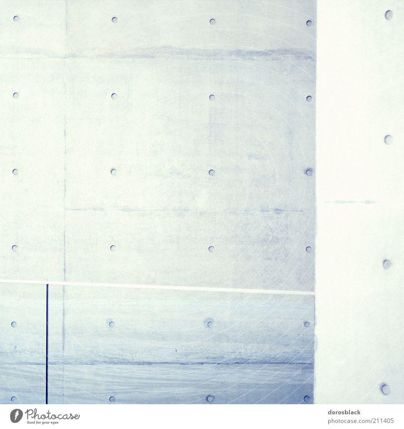 punktpunktpunkt weiß blau Wand Mauer Gebäude Architektur Hintergrundbild Beton Fassade modern einfach Punkt Bauwerk Textfreiraum links reduziert Betonwand