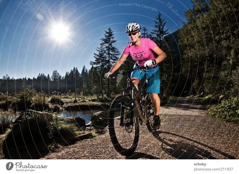 Sunrise MTB Freude Abenteuer Fahrradtour Sommer Sport Fitness Sport-Training Fahrradfahren Junge Frau Jugendliche 1 Mensch 18-30 Jahre Erwachsene Natur