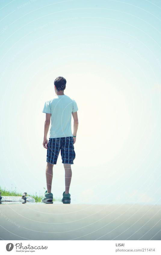 erik Freizeit & Hobby Skateboard Skateboarding Sommer Sport Mensch maskulin Junger Mann Jugendliche Rücken 1 Umwelt Himmel Wolkenloser Himmel Sonnenlicht