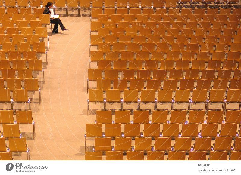 mein linker, linker Platz ist leer leer Freizeit & Hobby Veranstaltung Reihe Saal Sachsen Bestuhlung Zwickau Stadthalle