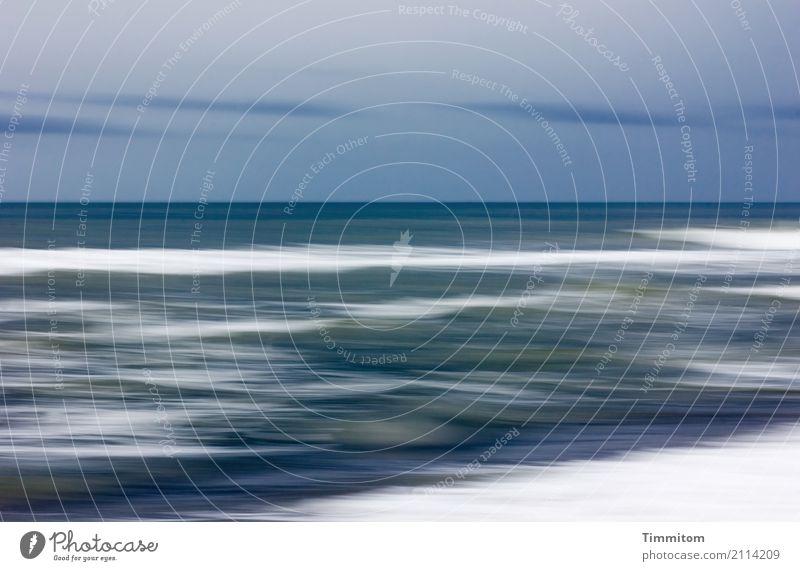 Frische Brise. Himmel Natur Ferien & Urlaub & Reisen blau grün Wasser weiß Meer Erholung Wolken Strand Umwelt Gefühle natürlich Wetter Wellen