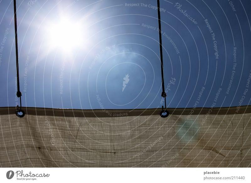 Sun is shining... Himmel weiß Sonne blau Sommer oben hell Stern hoch Energiewirtschaft Dach Schutz heiß Sonnenenergie Strahlung Schönes Wetter