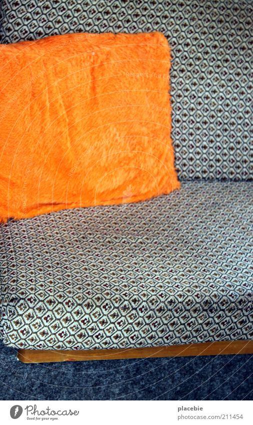 Setz dich doch ruhig Erholung Stil Raum Wohnung Design weich Dekoration & Verzierung Häusliches Leben Sofa trashig Wohnzimmer Sitzgelegenheit Kissen Sitzecke