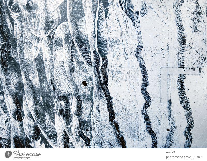 Hinten anstellen Kunst Beton trashig unten verrückt unklar Rätsel Abrieb Spuren Schliere Bodenbelag Gummi Klebeband unregelmäßig durcheinander wild chaotisch