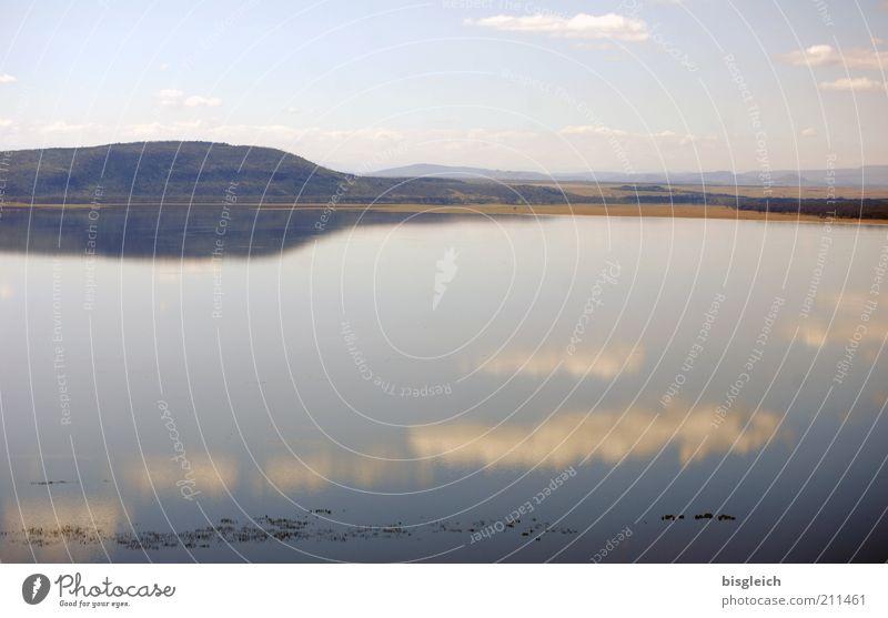 Lake Nakuru / Kenia Natur Himmel ruhig Wolken Ferne See Landschaft Afrika Hügel Seeufer Wasseroberfläche