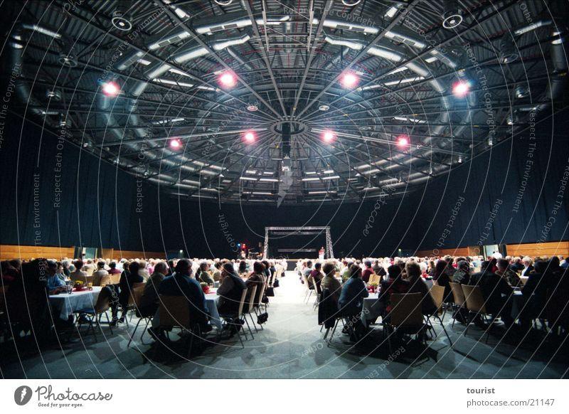 UFO ;-) Stadthalle Zwickau Tagung Decke Klimaanlage Licht Weitwinkel Architektur Technik & Technologie