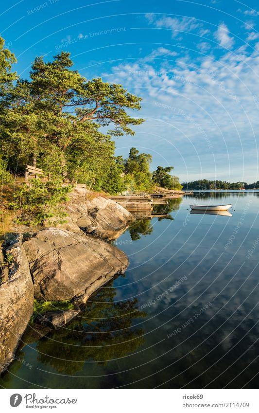 Schärengarten an der schwedischen Küste vor Stockholm Natur Ferien & Urlaub & Reisen blau grün Baum Landschaft Erholung Wolken Wald Tourismus Wasserfahrzeug