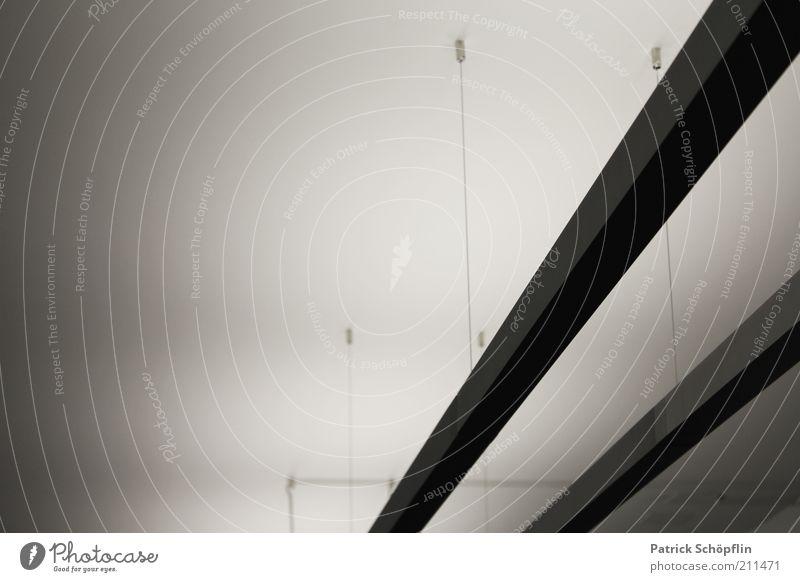 Lichtbahnen Leuchtkörper Beton Metall ästhetisch eckig fest elegant Energie modern Schwarzweißfoto Gedeckte Farben Innenaufnahme Detailaufnahme Experiment